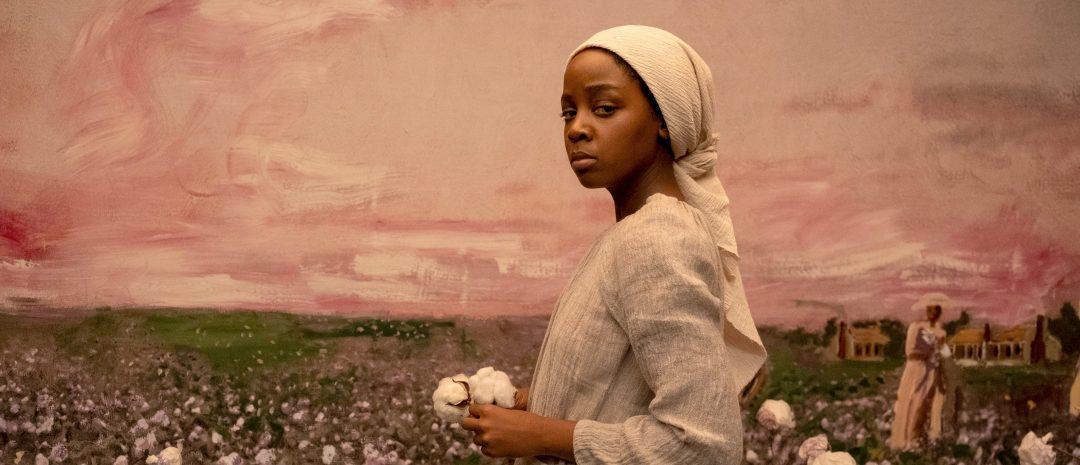 Thuso Mbedu i rollen som Cora i «The Underground Railroad» (Amazon Prime, 2021)