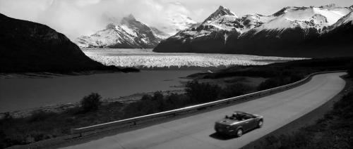 Bilde 1 i montasje fra Tetro-traileren