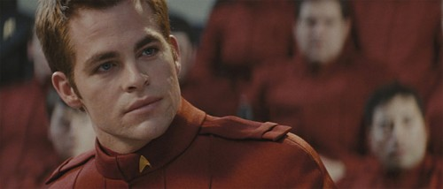 Et samlet Filmfrelst er enige om at stjerneskuddet Chris Pine passer suverent i rollen som James T. Kirk.